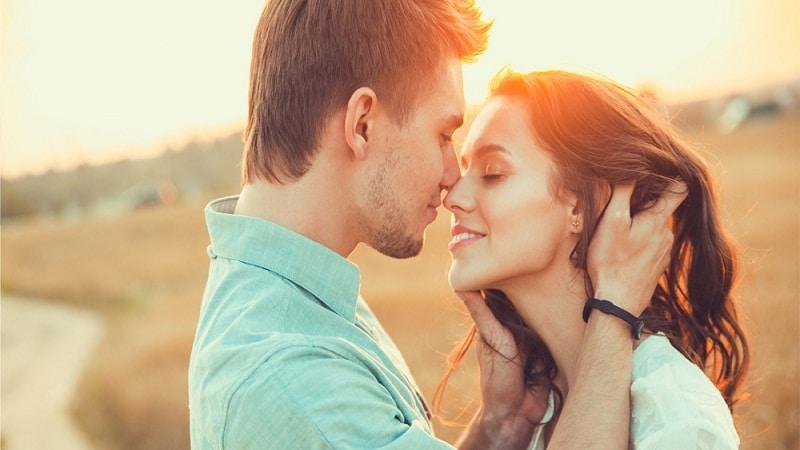 как влюбить в себя парня быстро