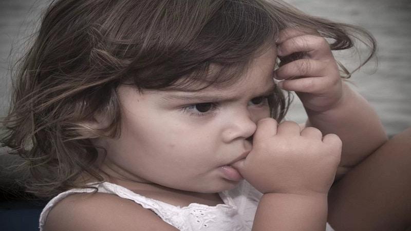 тики и навязчивые движения у ребенка