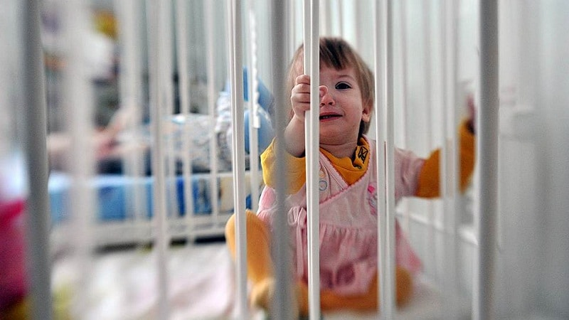 депривация у детей-сирот